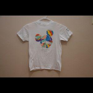 Disney Neff Men's T-shirt Sz Med Short Sleeve